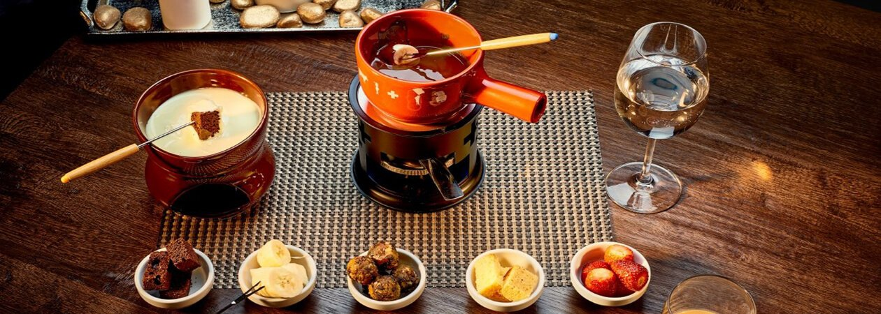 Fondue with chocolate