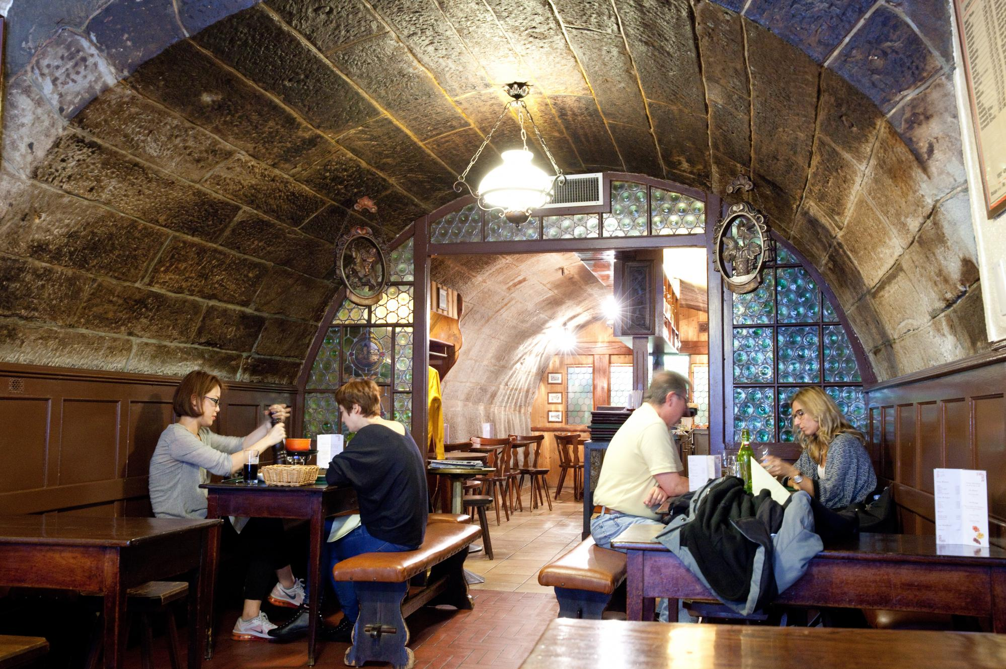 Фондю ресторант Pinte Besson в Лозана | Fondue.bg
