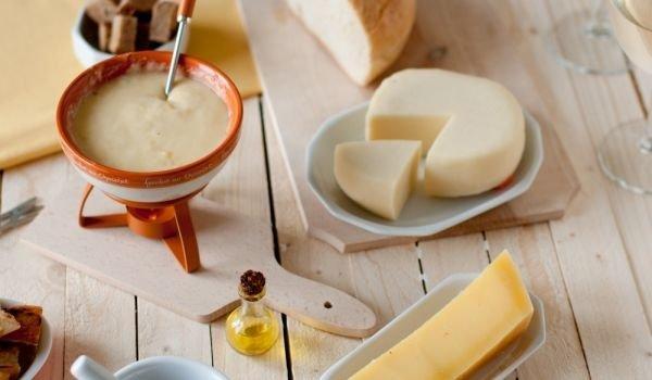Домашно фондю със сирене | Ресторант Фондю