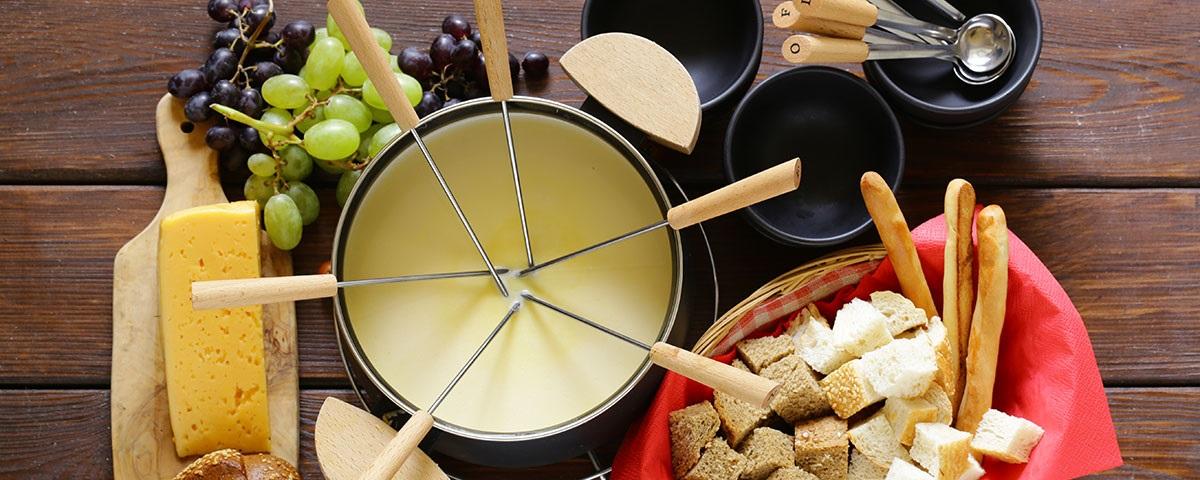 [:bg]Посуда за фондю от сирена | Ресторант Фондю[:en]Utensils for preparation of fondue | Restaurant Fondue[:]