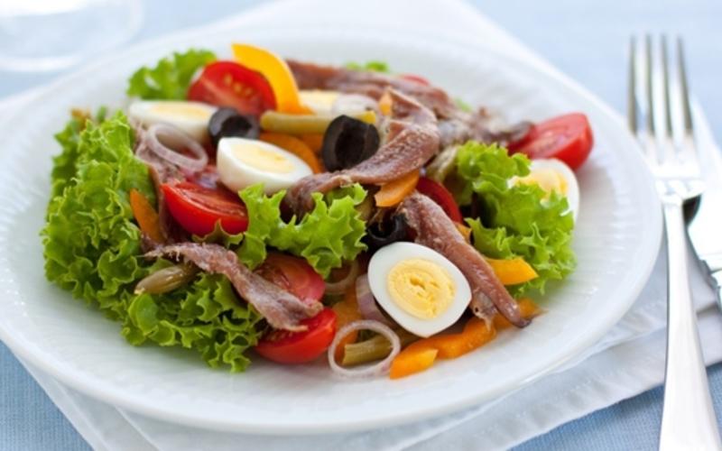 Швейцарска салата Salade nicoise