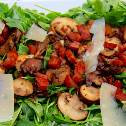 Mushrooms and bacon salad
