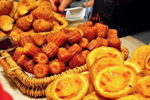 Френски десерт Канеле | Ресторант Фондю