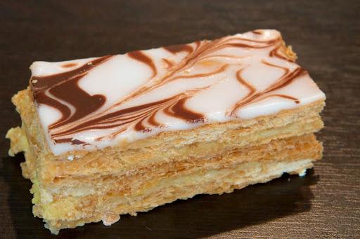 French dessert Napoleon | Restaurant Fondue