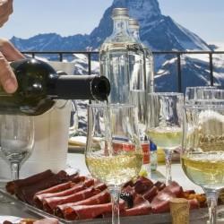 Швейцарските алкохолни и коктейлни питиета
