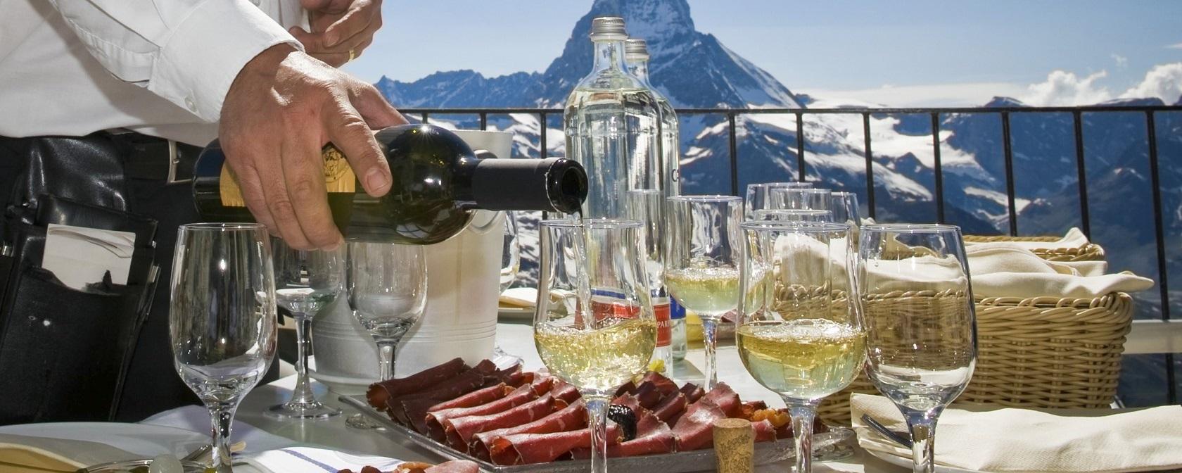 [:bg]Швейцарските алкохолни и коктейлни питиета[:en]Swiss alcoholic and cocktail drinks[:]