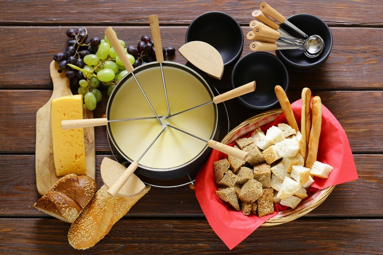 How to serve and consume Fondue