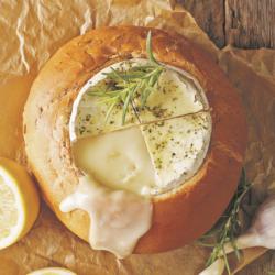 Фондю в хляб – каква е тайната за приготвяне