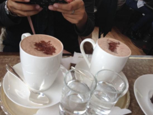 Швейцарски топли напитки за студените зимни дни